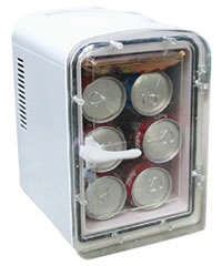 4.5 litres adopts thermoelectric technology cooler and warmer