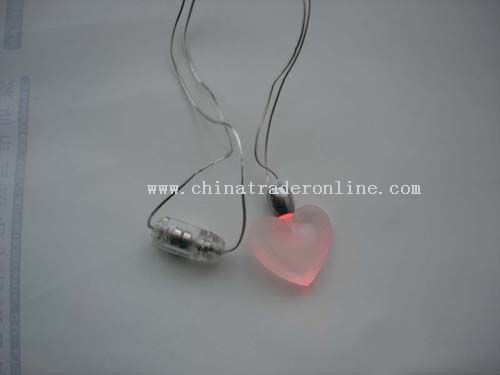 red-heart magnetism necklace