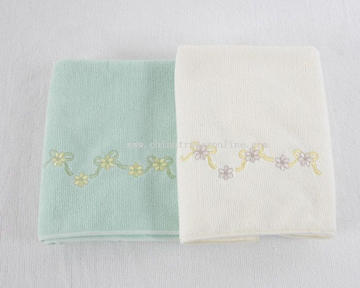microfiber towel with embroidery