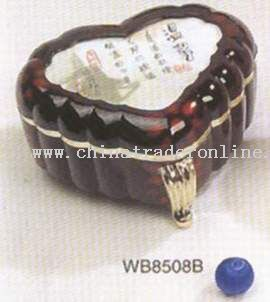 Triangle cordiform musical box with cover