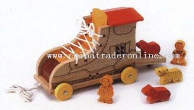 ANIMALS AND ROLLING BOOT SHAPE HUT