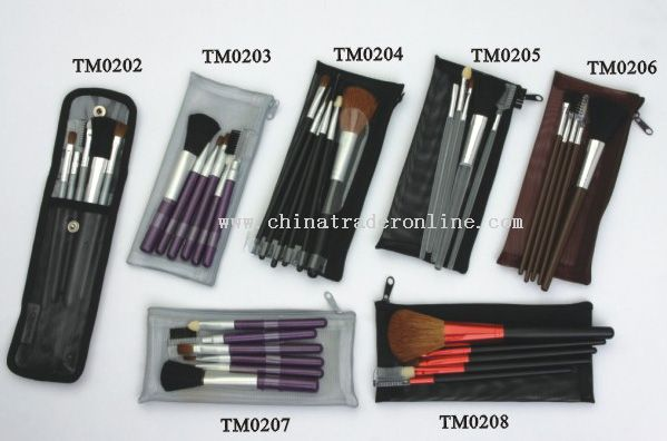 Cosmetic Brushes In Mesh Pouch