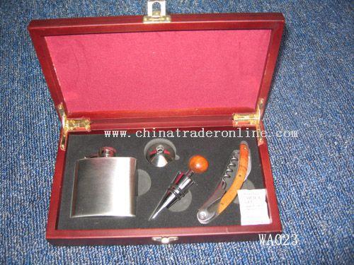 Red Wine Tool Set