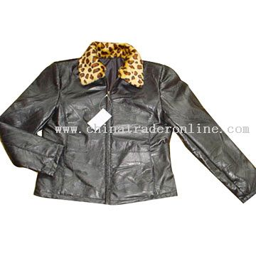 Ladies Patch Leather Jacket with Animal Fur on Collar