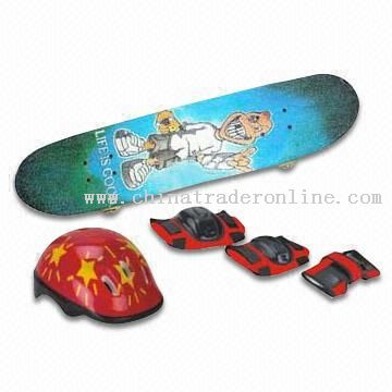 Skateboard Set with One Piece Helmet and ABS Shell