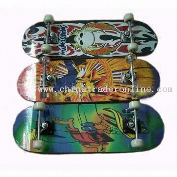 Skateboard with Extreme Rockered Rails