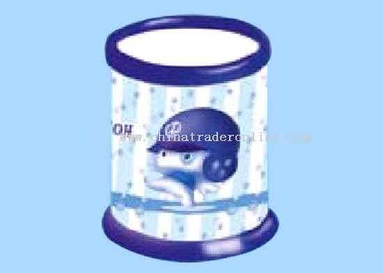 Pen container