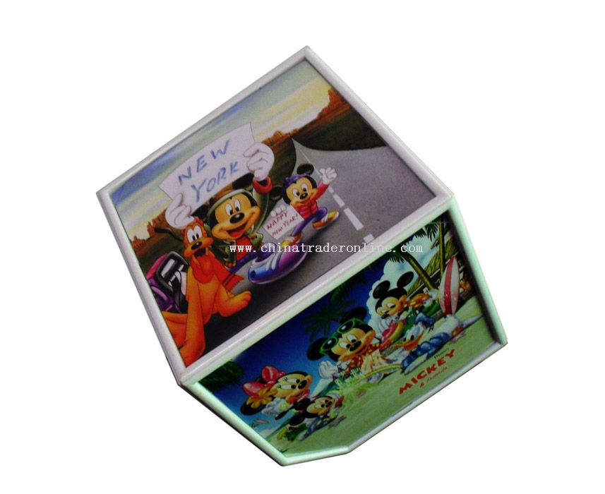 Turning cube photo frame