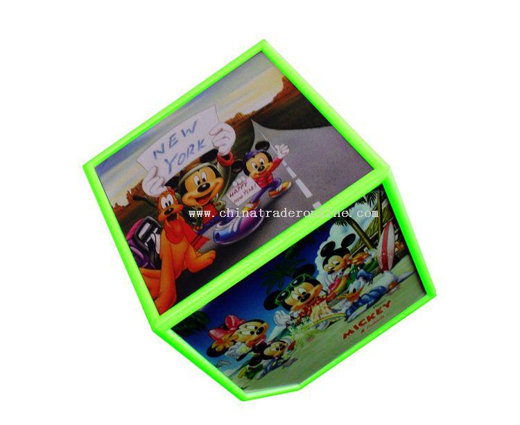 Turning cube photo frame green