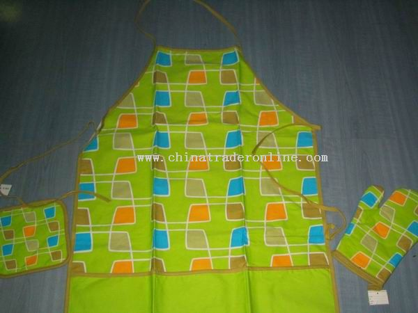 Kitchen Apron And Oven Mitten And Pot Holder