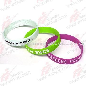 Ajustable PVC world cup wristband from China