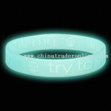 glow in dark silicone world cup wristband