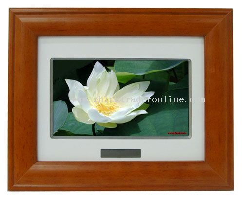 7 Inch TFT Digital Photo Frame with Wood Material