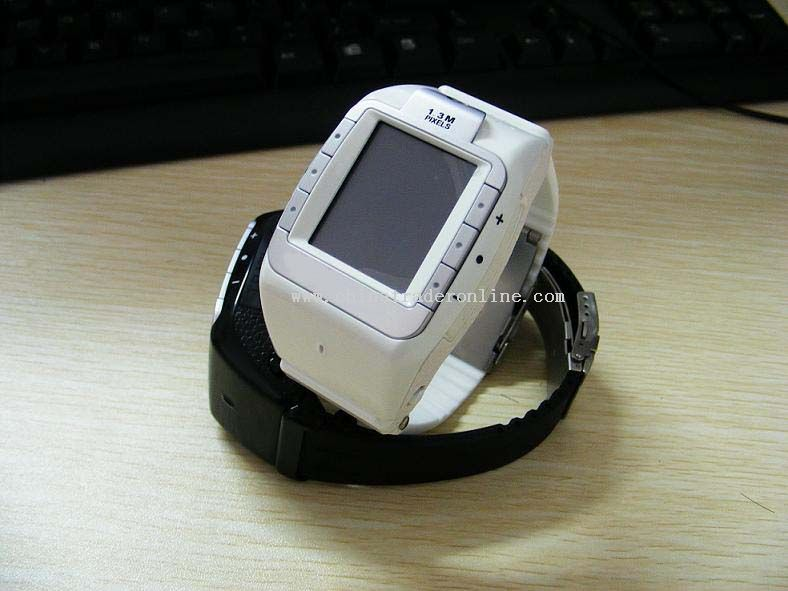 GSM Triband Watch mobile Phone with Camera And 512MB T-Flash Card Bluetooth