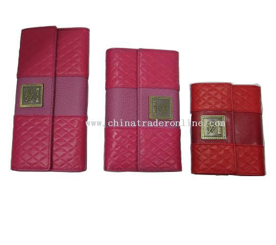 wholesale wallets for women in Hamilton
