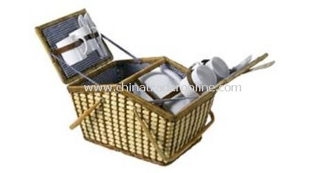 BAMBOO HOUSE-SHAPE PICNIC BASKET  With cutlery, cups and plates for 4 people