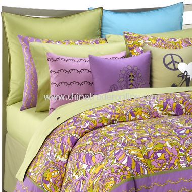 This duvet cover showcases a floral pattern in shades of pink, green,