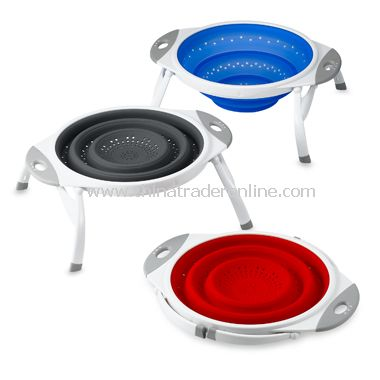 Ware 2 1/2 - Quart Expandable / Collapsible Silicone Colanders from China