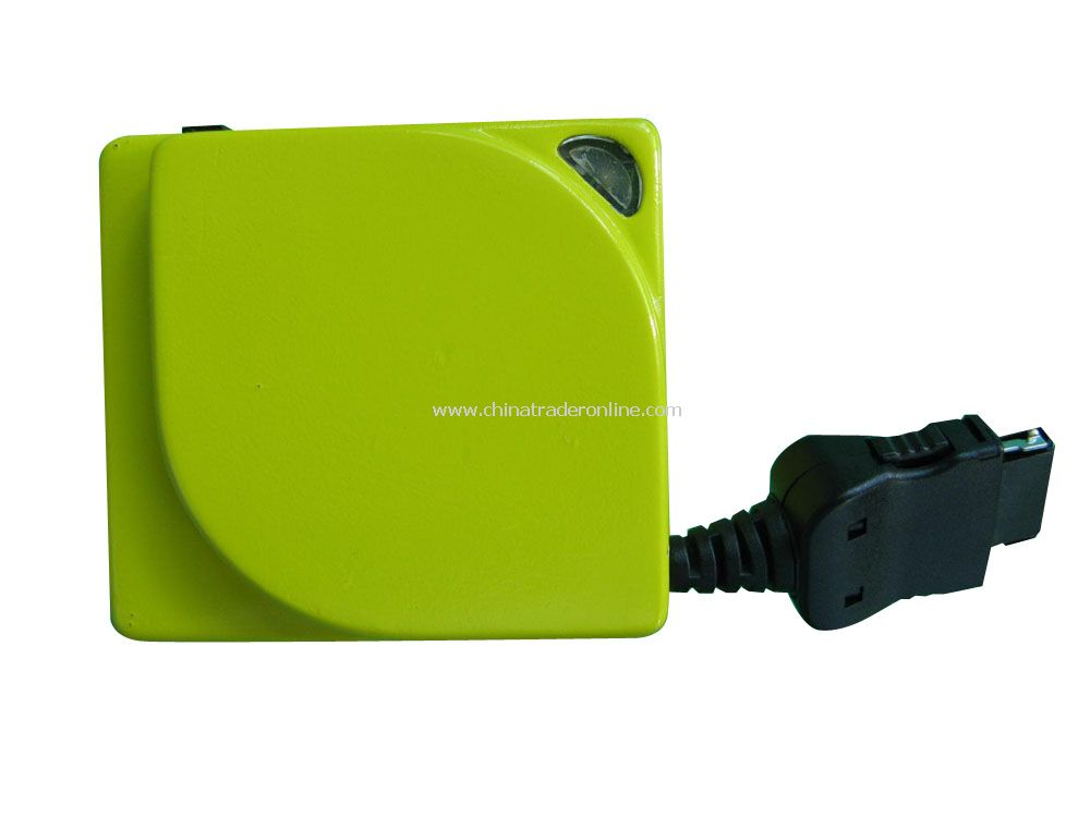 Retractable AC Adapter