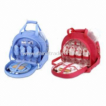 Picnic Cooler Bag with Four Melamine Plates and Four Plastic Plates
