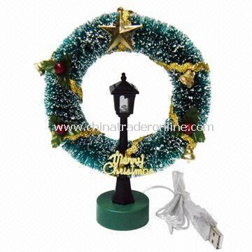 USB Wreath with Street Lamp, Powered by USB