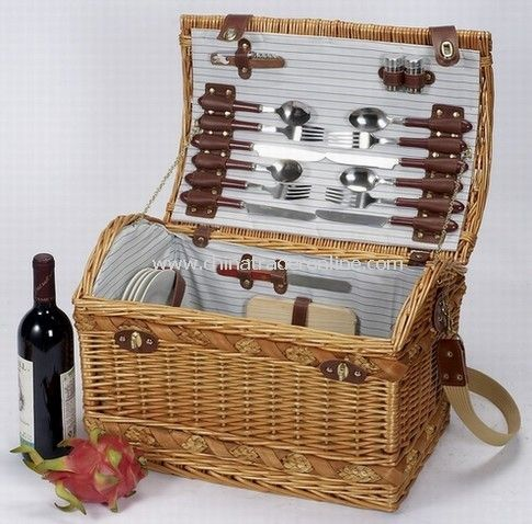 Outdoor Willow Picnic Basket for 4 Persons