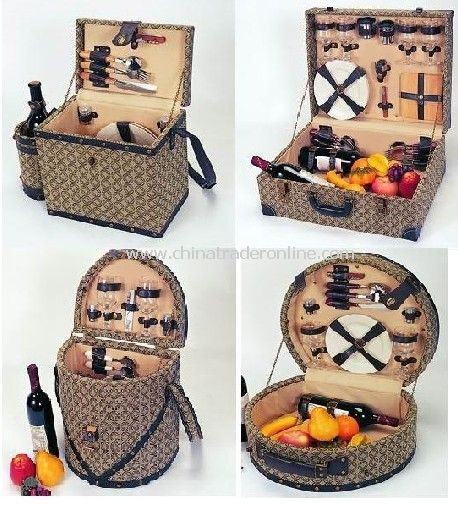 Wooden Picnic Basket for 4 Persons or 2 Persons