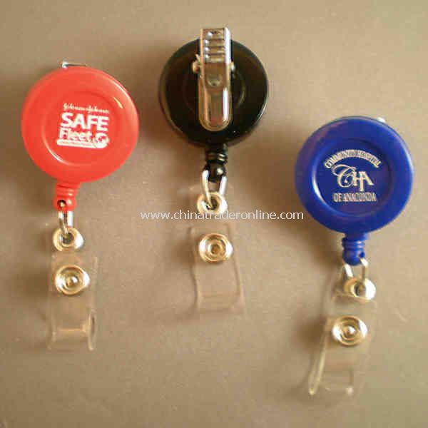 Retractable badge holder with swivel alligator or belt clip with 36 nylon cord.