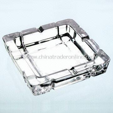 Glass Ashtray for Cigarettes and Cigars Made of Machine-Made Glass Available in Different Colors from China