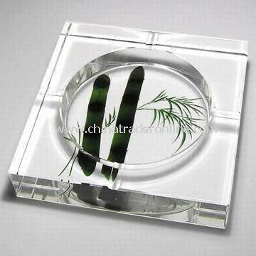 Crystal Ashtray, Various Sizes are Available, Customized Logos are Accepted