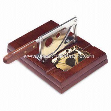 Table Cigar Cutter, Measuring 19.5 x 21.5 x 10cm