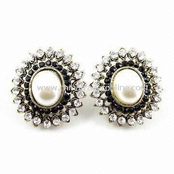 Spring Stylish Stud Earrings with Clear and Black Rhinestone Decoration, Available in Various Colors from China