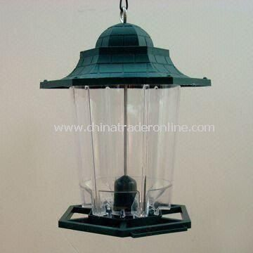 Bird Feeder, Made of Plastic, Available in Various Shapes and Colors