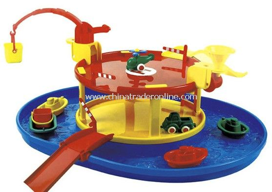 Playground with 1 helicopter and 2 cars