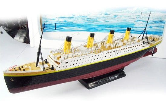 1:325 scale Titanic from China