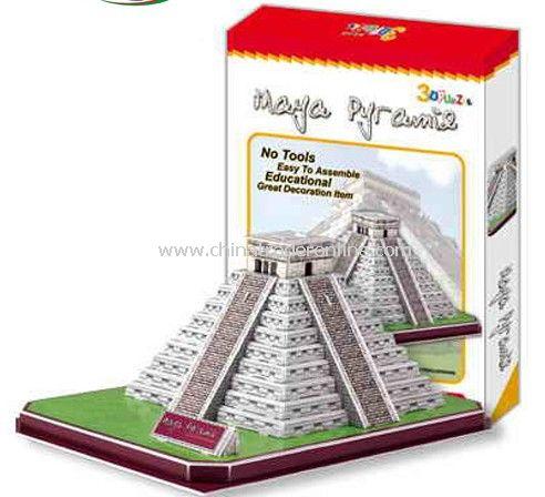 Mayan Kukulcan Pyramid(Mexico)