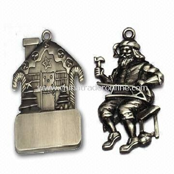 Zinc Alloy Christmas Ornament, Customized Designs are Accepted, OEM Orders are Welcome