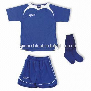 100% Polyester Soccer Suit with Embroidery Logo on Short, Customized Requirements Welcome