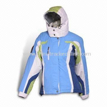 Ski Wear with Nylon Dobby Full Dull Material with Polyester 210T Taffeta Inner Lining from China
