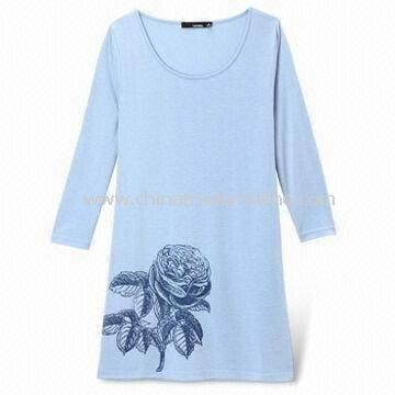 T-shirt with Printed Logo, Made of 100% Viscose, Customized Sizes are Accepted for Women