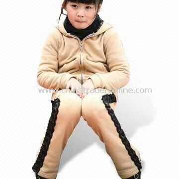 100% Knitted Cotton Childrens Sports Wear, Customized Designs are Welcome