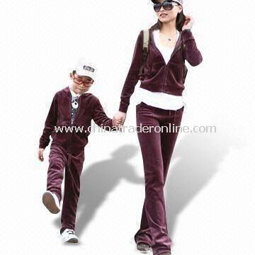 New Design Childrens Sports Suit, Customized Colors and Designs are Welcome