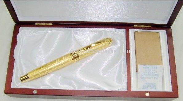 14K gold metal fountain pen