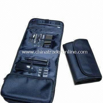 Toiletry Travel Kit with Shoe Hore, Plastic Comb, Razor and Nail Scissor