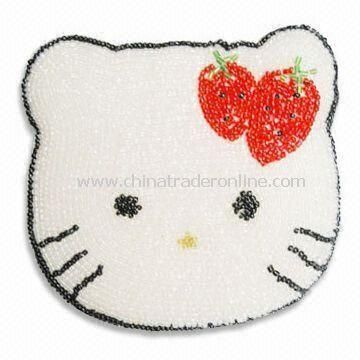 Fashionable Coin Purse in Hello Kitty Shape, Made of White Beads, Available in Various Colors from China