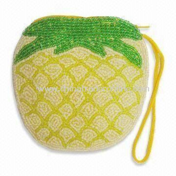 Fashionable Coin Purse in Pineapple Shape, Various Colors are Available, Made of Green Beads from China