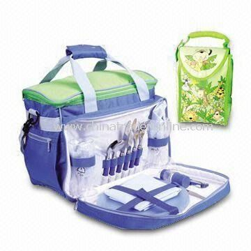 Cooler Bag/Picnic Bag, Made of 70D Polyester, with a Full Set of Tableware Inside from China