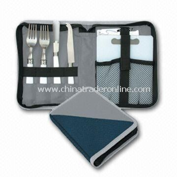 Picnic Cheese Set with Plastic Cutting Board, Cheese and Spreading Knife, Made of 600D Polyester from China