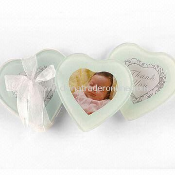 Glass Photo Frame Coasters in Heart Shape, Measures 10 x 10 x 0.4cm, OEM Orders are Welcome