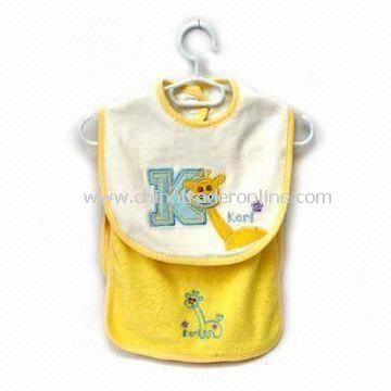 Baby Bib with Towel, Made of 80% Cotton and 20% Polyester, Available in Various Colors